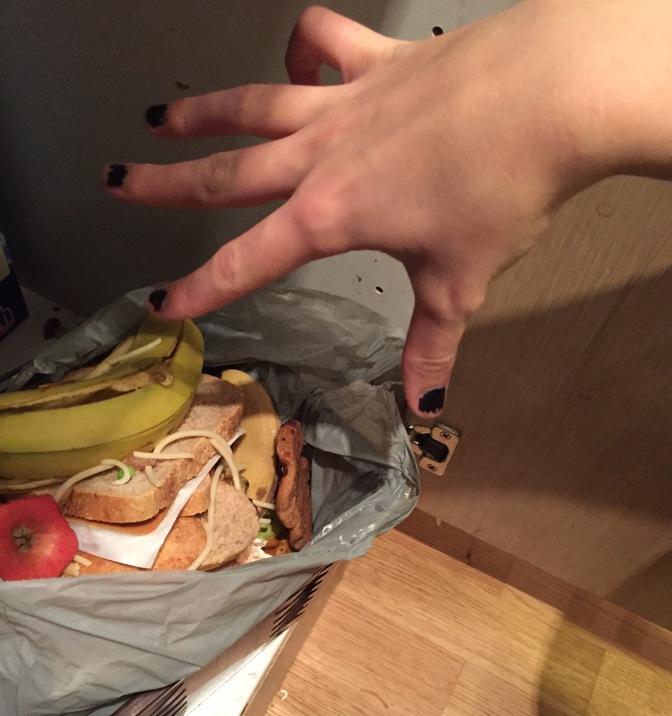 Tenåringsmonolog ved kjøkkenbenken
