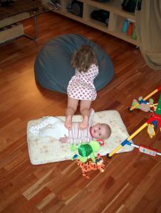 Tråkke på lillesøster